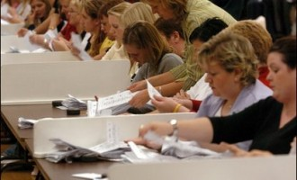 UK electoral commission calls for voter ID