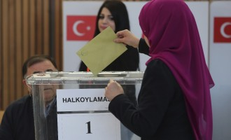 High turnout marks Turkish plebiscite